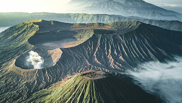 Mount Semeru Hiking and Mount Bromo tour 5 Days
