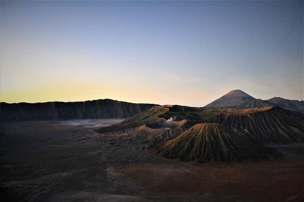 Mount Bromo Sunrise Tour 2 Days from Surabaya