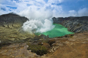 Mount Bromo midnight, Ijen Crater trip